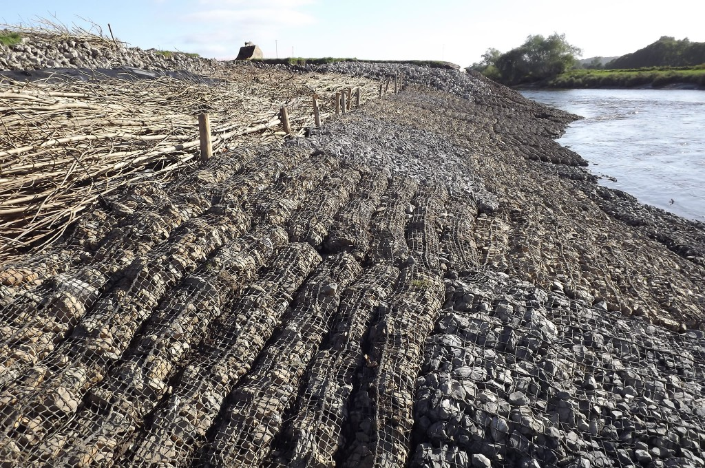 Newly installed Rock Roll Mattresses on intertidal river